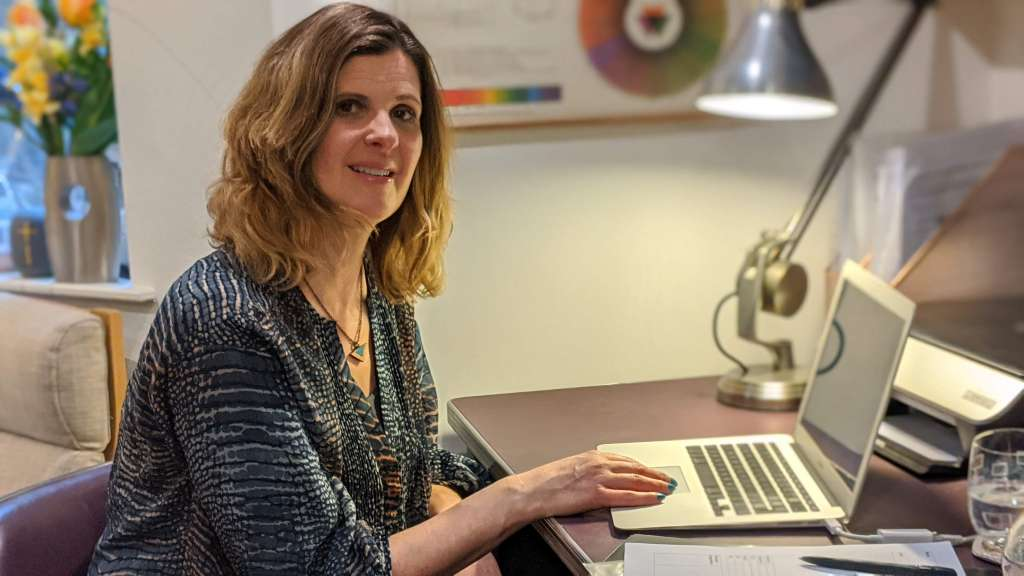online therapy, online hypnotherapy, hypnotherapy online, online therapy uk, therapy online